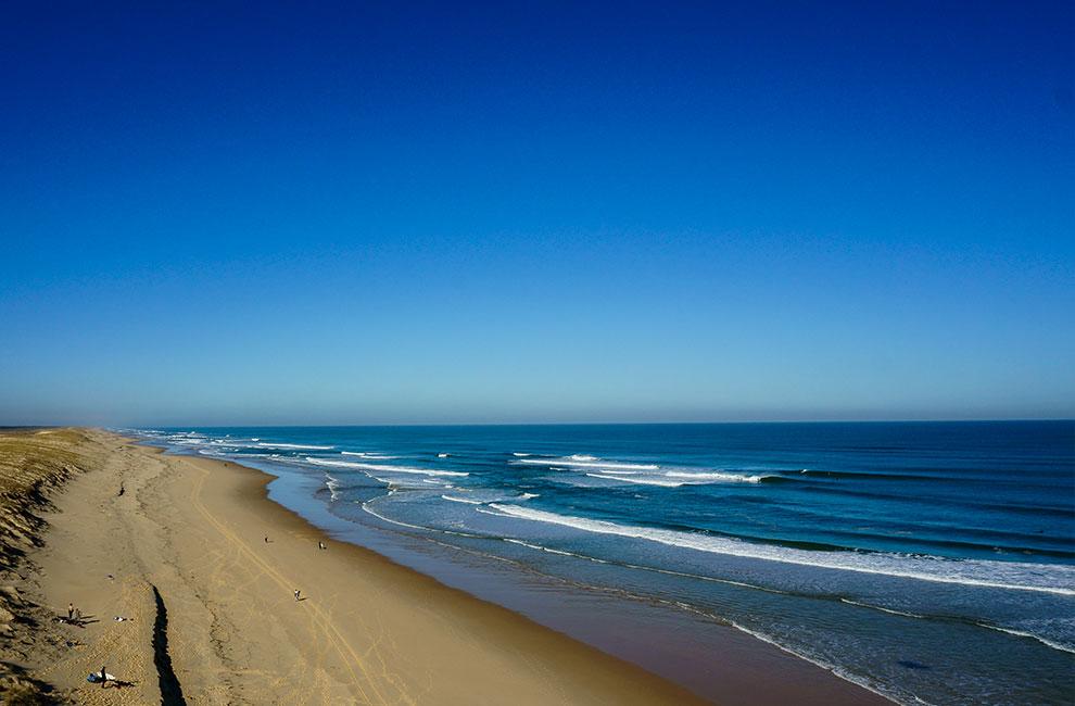 plage sur laquelle sont donnés les cours de surf de l'école de surf du cap ferret sur le bassin d'arcachon